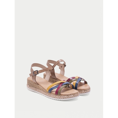 SANDALIAS DE CUÑA MULTITIRAS TAUPE COLORES EVELYN